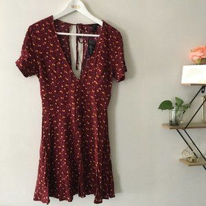 Forever 21 | maroon red  floral deep swing dress